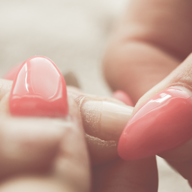 Νύχια: Τι να προσέχετε όταν κάνετε μανικιούρ και πεντικιούρ