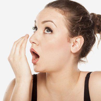 Κακοσμία στόματος: Αίτια και αντιμετώπιση