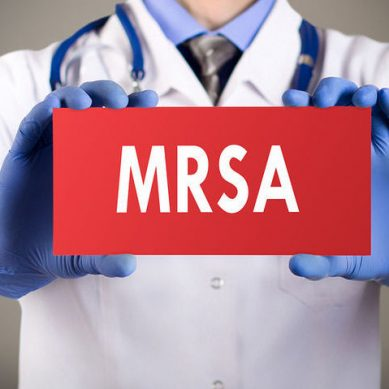 MRSA: Δύο νέα αντιβιοτικά ενάντια στο ανθεκτικό μικρόβιο με ελληνική «υπογραφή»