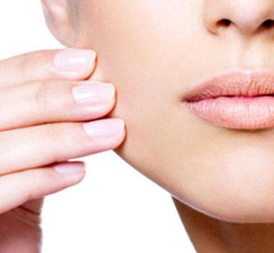 Θεραπείες προσώπου μετά το καλοκαίρι για τις γυναίκες που βρίσκονται στην εμμηνόπαυση
