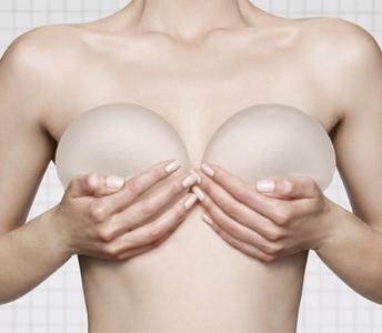 Αυξητική στήθους: Η άνοιξη κατάλληλη εποχή για να πραγματοποιηθεί