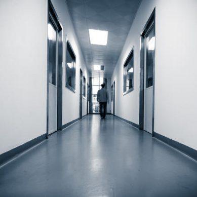 Κατάργηση των ψυχιατρικών νοσοκομείων καταγγέλλει η ΠΟΕΔΗΝ – Σχεδιάζει κινητοποιήσεις