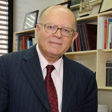 Στον Όμιλο Υγεία ο καθηγητής Καρδιολογίας Πάνος Βάρδας