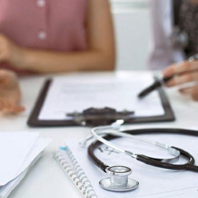 Συνάντηση για την υλοποίηση της πρόσφατης νομοθετικής ρύθμισης για το λοιπό επικουρικό προσωπικό νοσοκομείων και ΚΥ