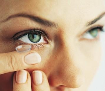 ΗΠΑ: Εγκρίθηκαν οι πρώτοι αντηλιακοί φακοί επαφής