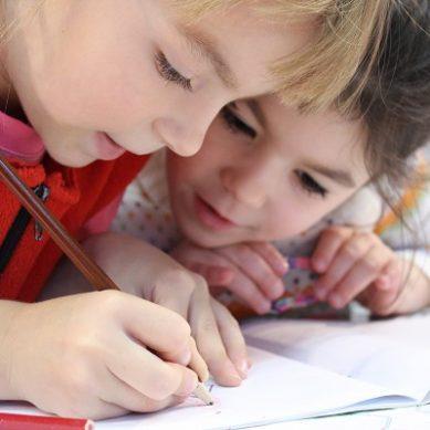 Πανελλαδική συγκέντρωση σχολικών ειδών από «Το Χαμόγελο του Παιδιού»