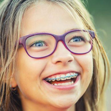 Σιδεράκια: Πως να βοηθήσετε το παιδί να προσαρμοστεί στο σχολείο