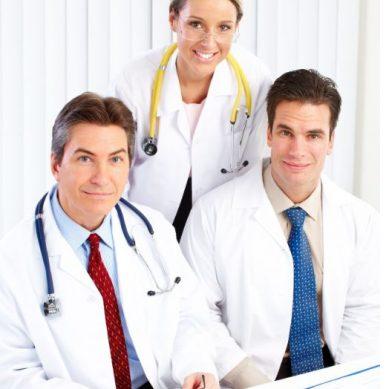 Όσο περισσότεροι γιατροί στην πρωτοβάθμια φροντίδα, τόσο αυξάνεται το προσδόκιμο ζωής