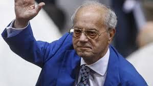 Ο Πρόεδρος της ΦΑΡΜΑΣΕΡΒ – ΛΙΛΛΥ αποχαιρετά τον Θανάση Γιαννακόπουλο