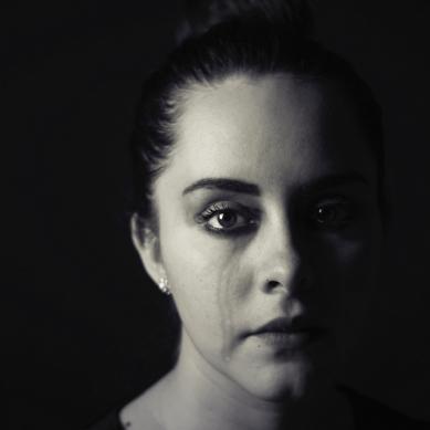 Γιατί οι γυναίκες εμφανίζουν κατάθλιψη σε διπλάσια συχνότητα από τους άνδρες;