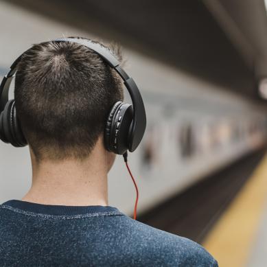 Παγκόσμια Ημέρα Ακοής: Καθημερινές συνήθειες που μας… κουφαίνουν