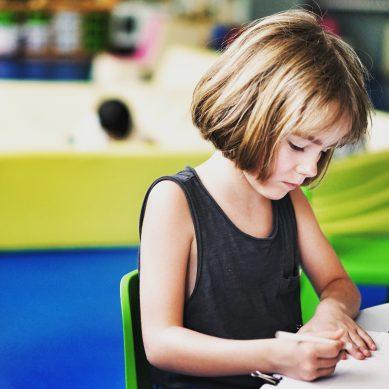 Αυτισμός: Επιστήμονες ανέπτυξαν νέα μέθοδο διάγνωσης που εστιάζει στο βλέμμα του παιδιού
