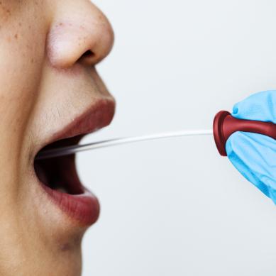65 νέα κρούσματα του νέου ιού στη χώρα, 17 στις πύλες εισόδου